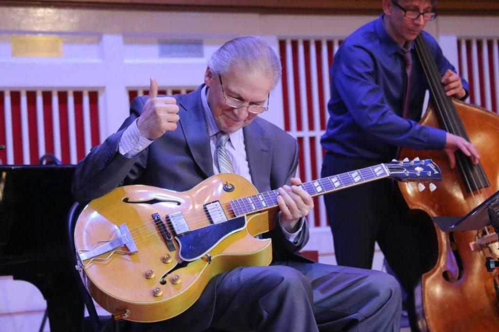 Легендарный джаз-гитарист, Народный артист России Алексей Кузнецов одобряет фестиваль джаза в Донецке